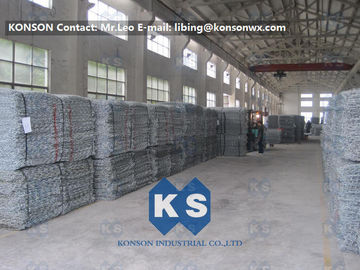 চীন PVC Coated Gabion Basket Filled With Stone , Electro Galvanized Gabion Box সরবরাহকারী